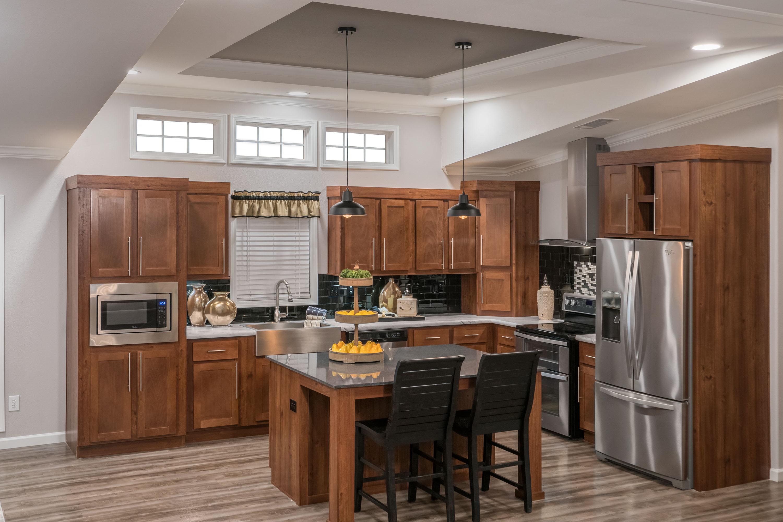 Cimarron-Classic-3264R-Kitchen-1.jpg