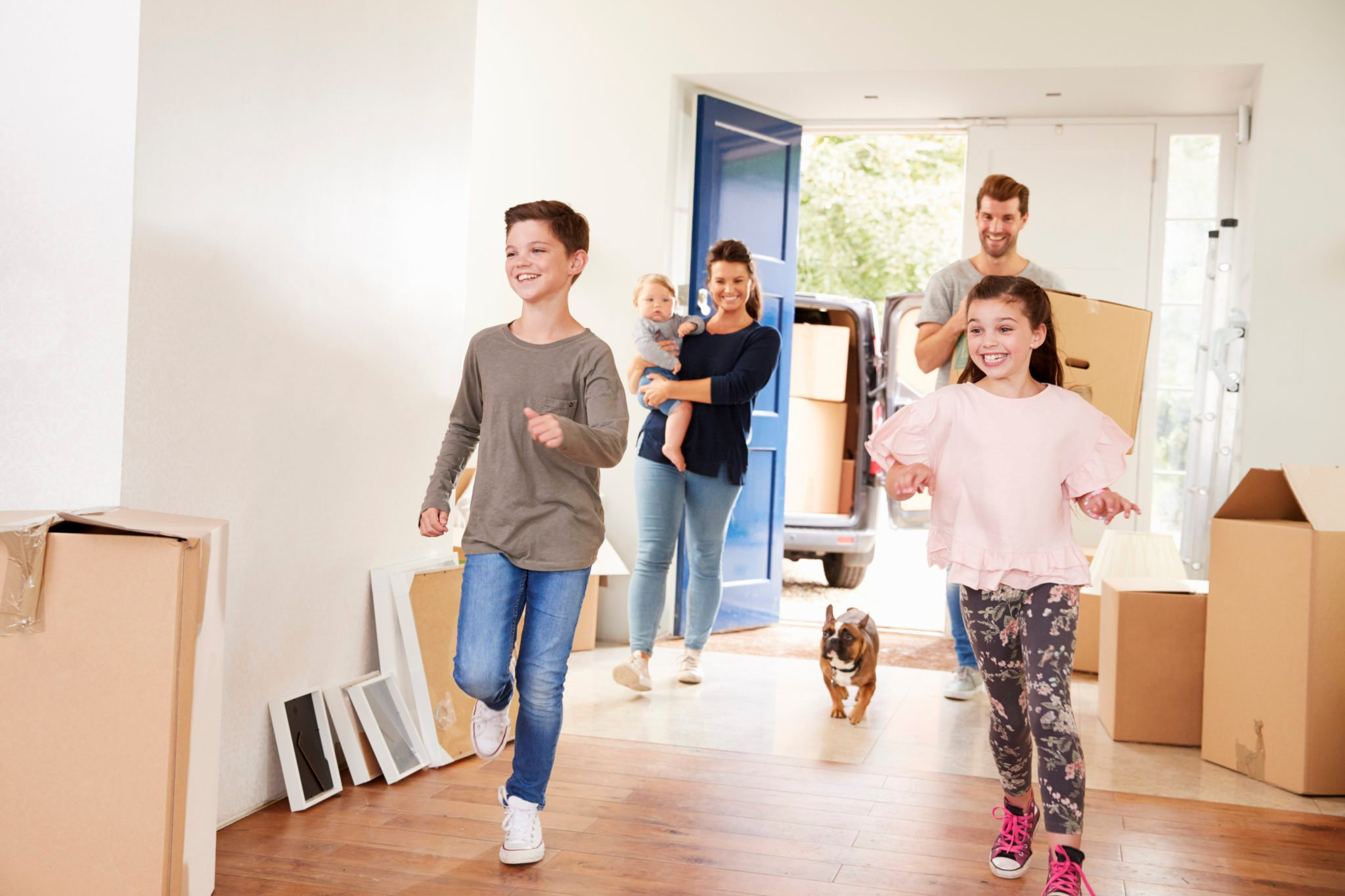 Family-Moving-into-Home