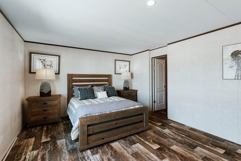 RMA2876 master bed 2