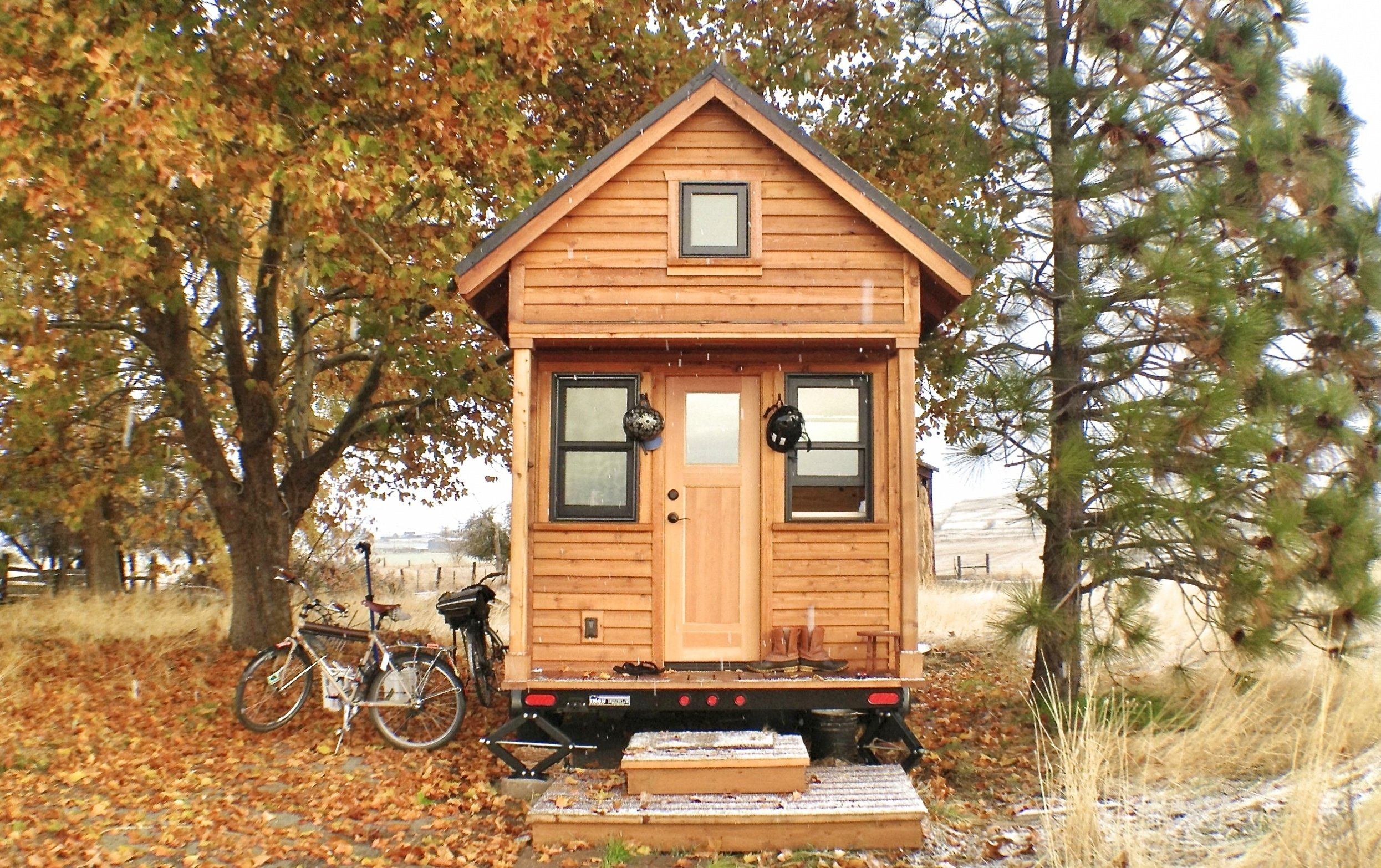 fall-tiny-house-orig-1