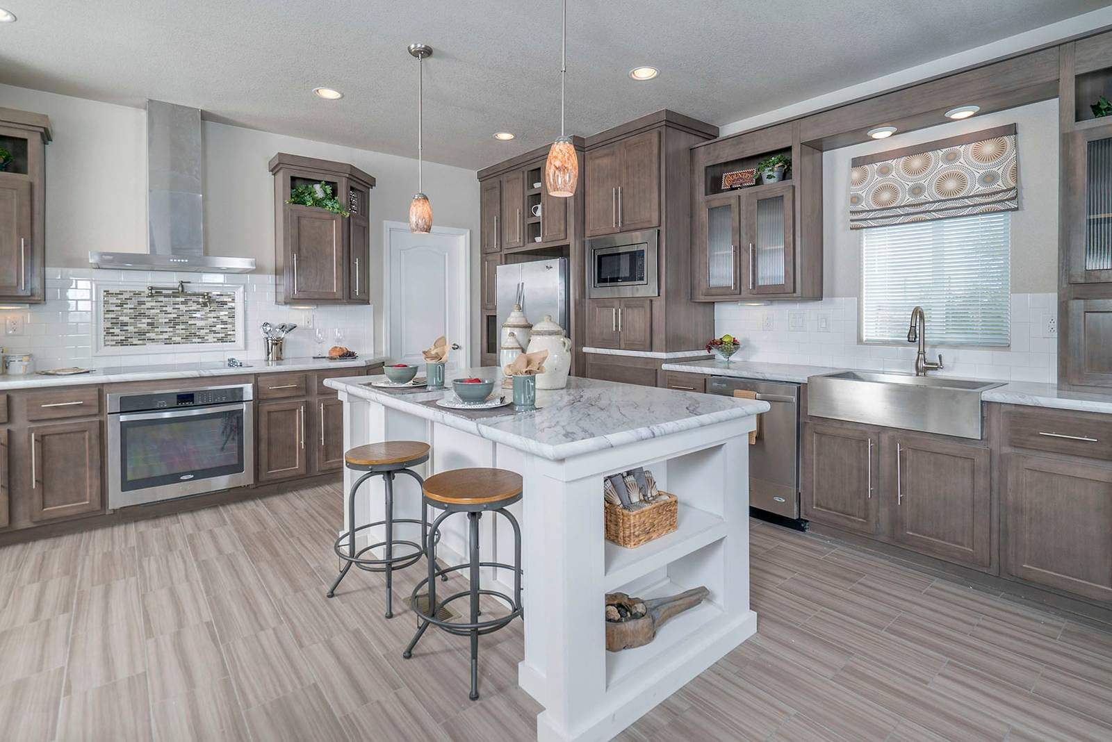image-ultimate-kitchen-two-chandler-03-1600x1068.jpg