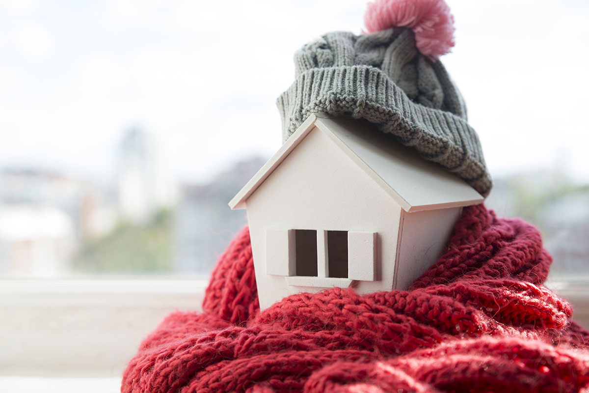 model-house-with-winter-clothes