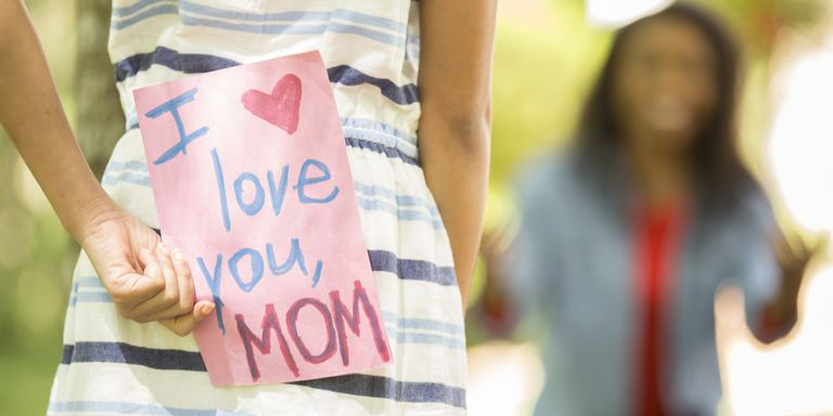 what-to-write-mothers-day-card-1525129408