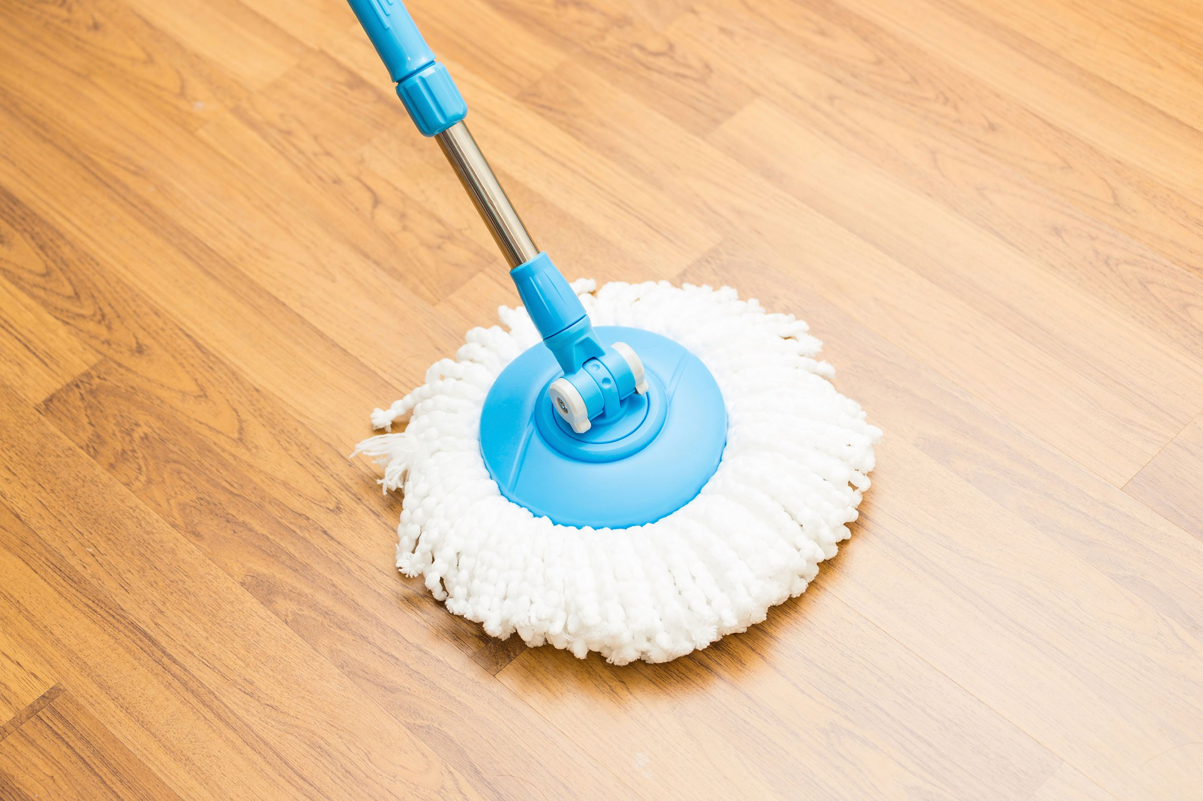 01-how-to-clean-vinyl-floors-mop