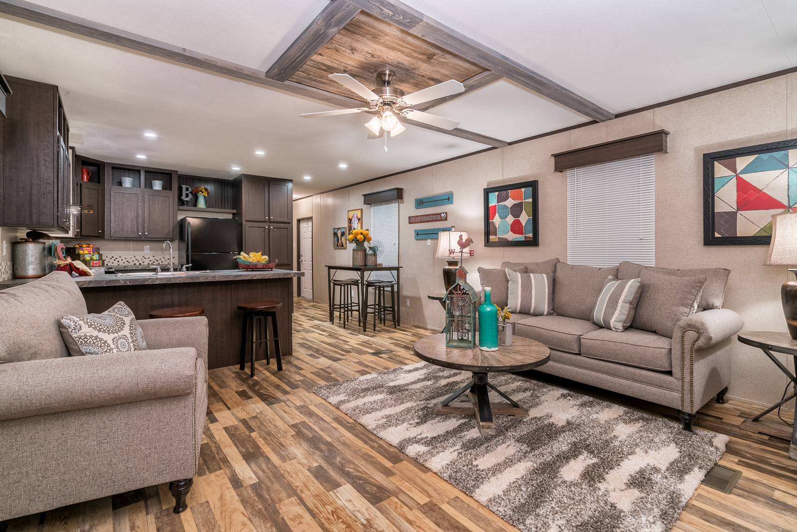Different Vinyl Flooring Options for Your Titan Manufactured Home